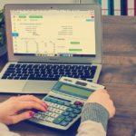 Księgowość dla firmy – taniej w banku czy w biurze rachunkowym?
