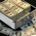 Jak oszczędzać pieniądze – i rozsądnie wydawać