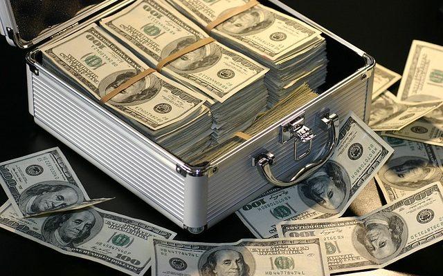 Jak oszczędzać pieniądze - i rozsądnie wydawać