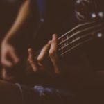 Nauka podstawowych akordów – poradnik dla gitarzysty