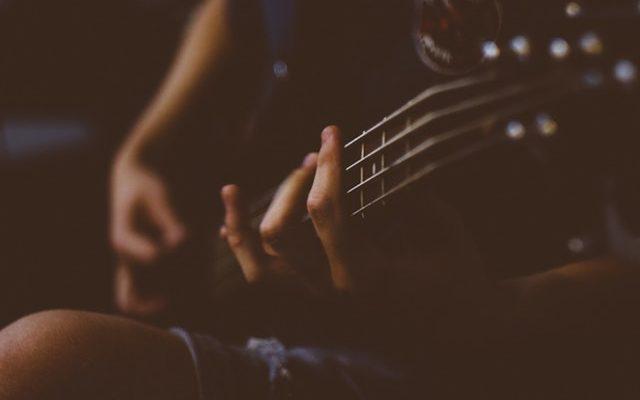 Nauka podstawowych akordów - poradnik dla gitarzysty
