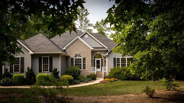 Jak wygląda wycena nieruchomości i kto może ją przeprowadzić?