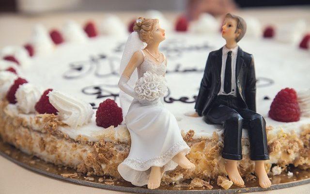 Gdzie kupię figurki na tort weselny